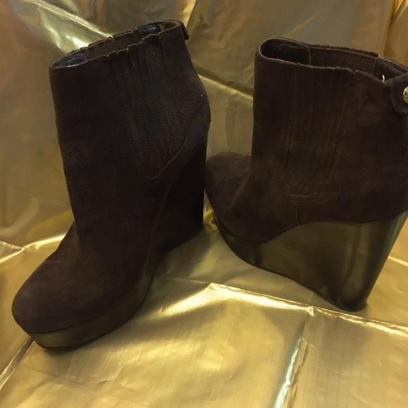 f3c359504e12 Michael Kors brown suede wedge boots. M 5bde36823c9844ba2c24b64d
